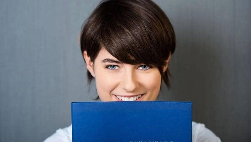 Bewerbung: Bewerbungsart Patz 1: Klassischsche Bewerbung in Deutschland der meist genutze Weg zum Start einer erfolgreichen Karriere
