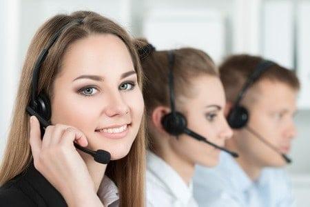 Das Telefonat mit dem Entscheider für Ihr Anliegen beim Zielkunden, um Neukunden auf Ihr Angebot aufmerksam zu machen.