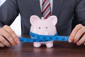 Leben und leben lassen in der Gehaltsverhandlung, eine gute Basis schaffen und angemessen verhandeln, so ist die Lohnerhöhung zum Greifen nah.