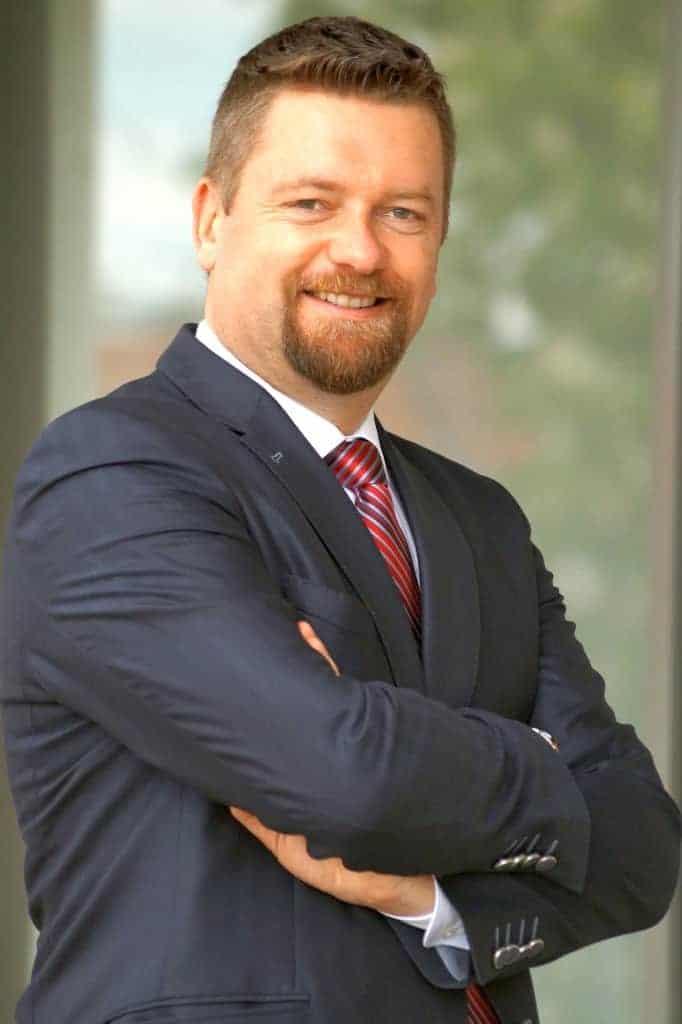 Dipl.-Ing. Georg Scharrer ist Geschäftsführer der athess GmbH & Co KG für Consulting, Training und Coaching für Firmen und Einzelpersonen im Bereich Kommunikation und Innovation. Business-Kontakt des Instituts für Humankompetenz und Trainer für Humankompetenz mit NLP-Methoden.