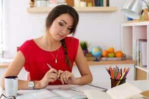Vorstellungsgespräch Vorbereitung: Eine gute Vorbereitung ist das A&O! Erstellen Sie eine Stärken & Schwächen Analyse! Recherchieren Sie das Unternehmen!
