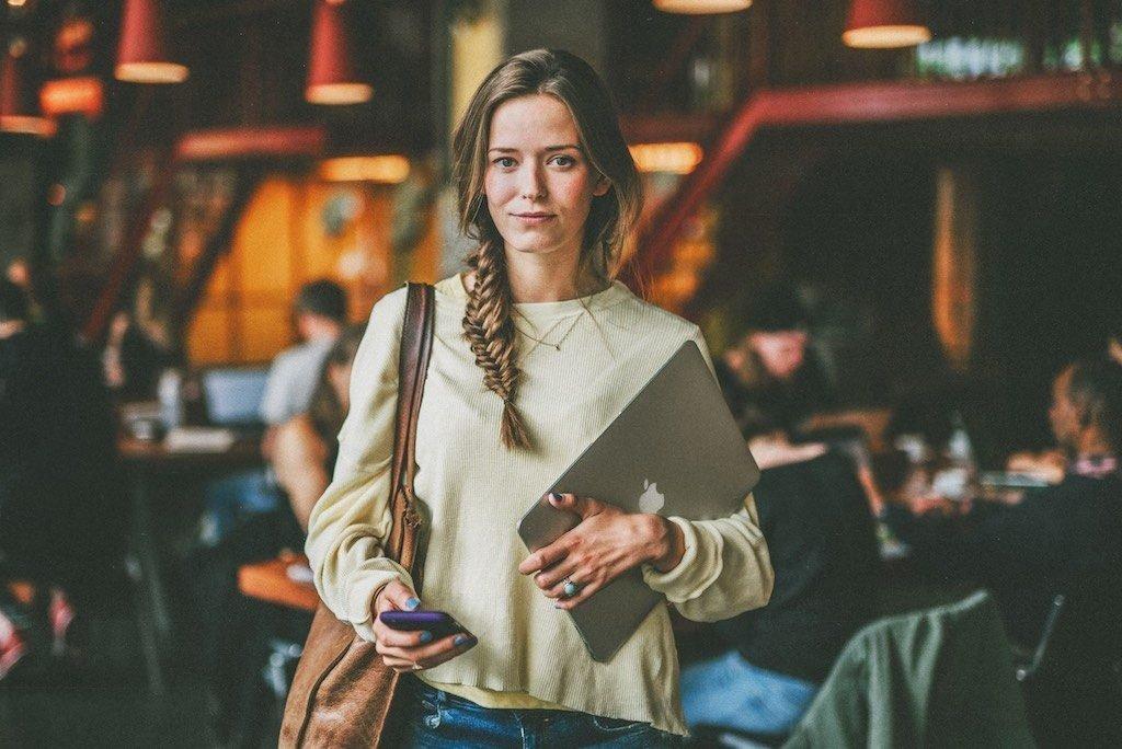 Vom Studentenjob zum Vollzeitjob am Beispiel von Rike Franzen: Diese 7 Schritte zeigen, wie man von einem Studentenjob zu einem festen Vollzeitjob direkt nach dem Studium kommt, wenn einem die Firma gut gefällt.