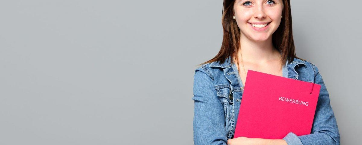 Bewerbung: Vom Anschreiben bis zum Lebenslauf. Tipps und Tricks für eine erfolgreiche Bewerbung.