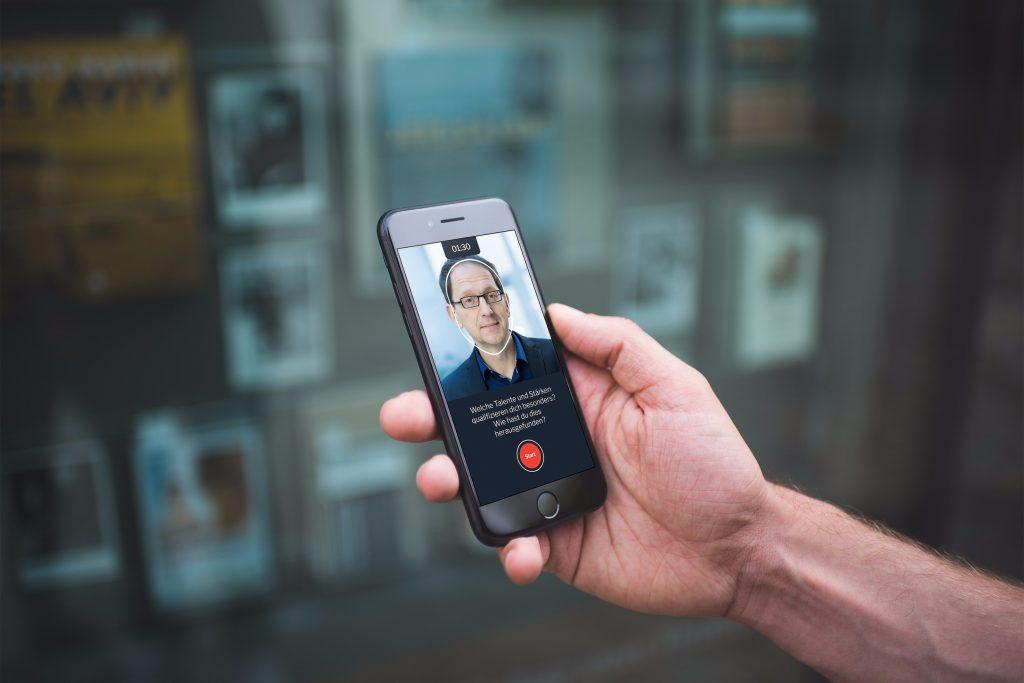 Lebenslauf PDF mit Video: Das macht maximalen Eindruck auf Personaler. Vorlage und passende Smartphone App auf STARMAZING als Download für die erfolgreichsten Bewerbungen von heute.