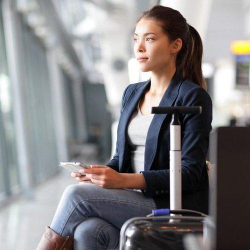 Moderne Frauen Outfits für die Bewerbung. Ideal für das Bewerbungsgespräch: Das sind Blazer, Blusen, Kleider, Röcke, Schuhe und Handtaschen, die einen perfekten Eindruck machen. Vom Bewerbungsfoto bis zum Vorstellungsgespräch.